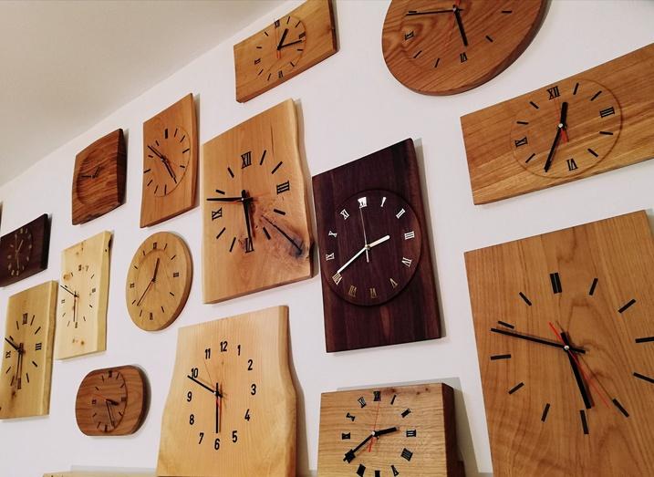 Moderne Holzuhren MARTINS Drechsler-Handwerk